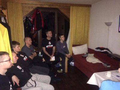 Damian Salwin z zawodnikami podczas obozu we Włoszech